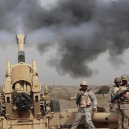 Soldati sauditi  impegnati in operazioni di terra  (Ap)